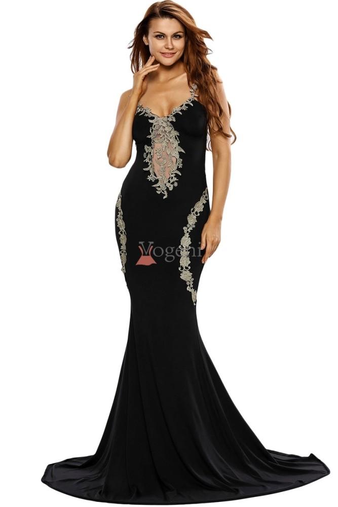 40fa392ccb01 5 heta köptips för att välja rätt festklänning - Bifrostone IT Co ...