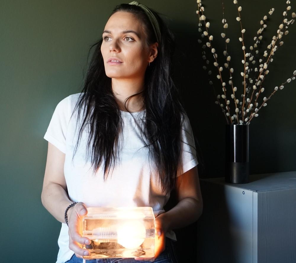 Kjøp sparepære eller LED-pære neste gang du bytter lyspære. Foto: Mari Lind Aronsen