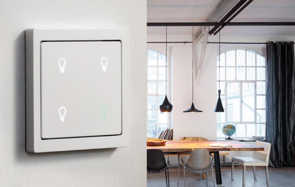 KNX Trykknapp Pro styrer  lys,  persienner  og markise  scenarier  via håndbevegelser .