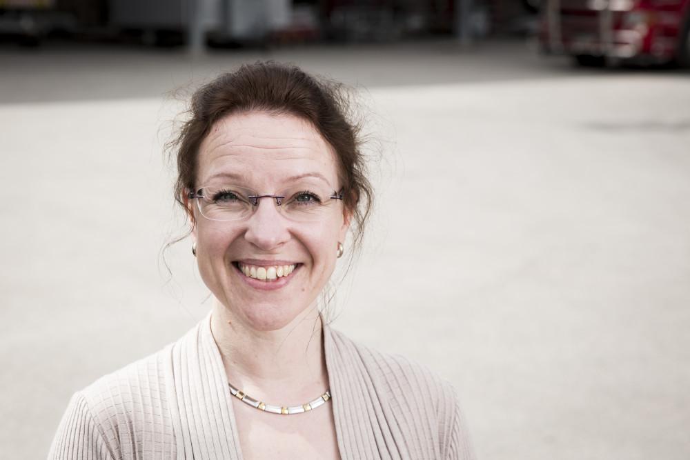 Projektipäällikkö Emma Närheä kiinnostaa uudenlainen lähestymistapa haasteiden ratkaisuun.