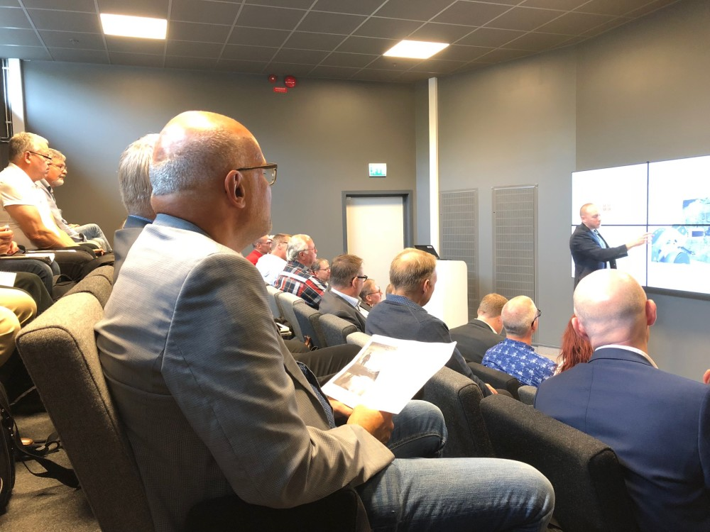 Publik vid seminariet Vår framtida gruva del 2. Föreläser gör Morgan Rody, Epiroc/SIMS.