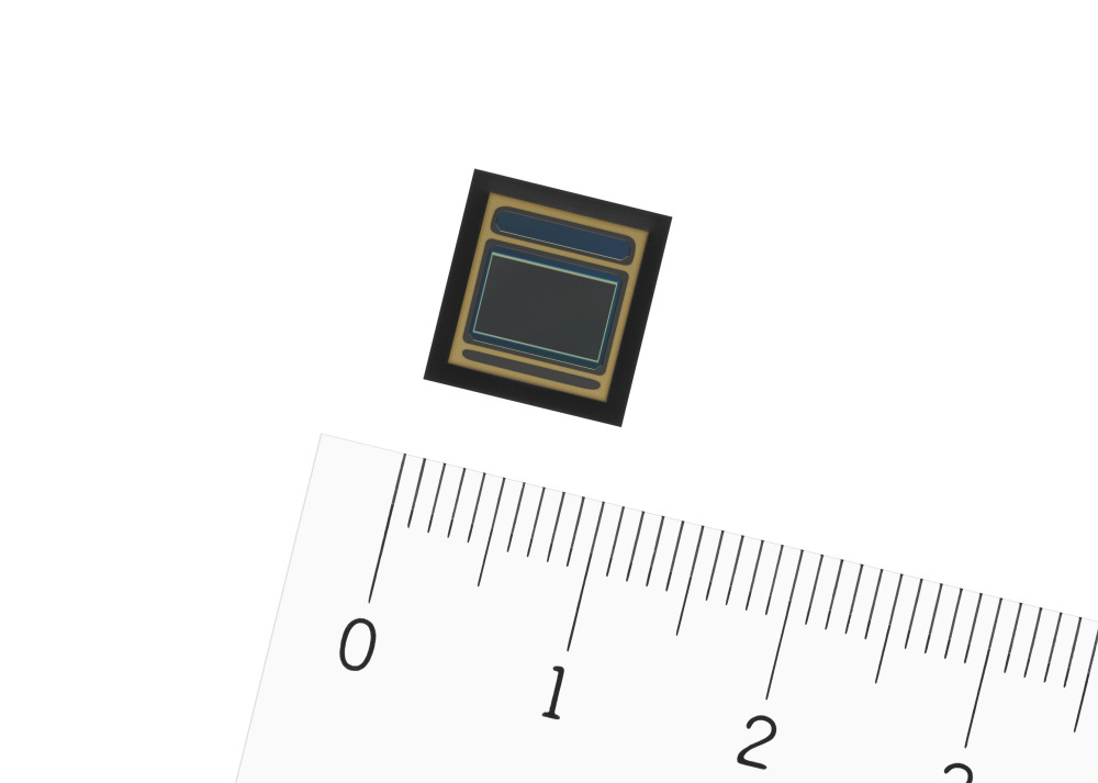 IMX390CQV CMOS image sensor for automotive cameras