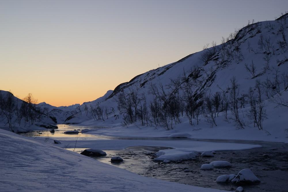 En del åpne elver og bekker. Utløpet av 1. Skittendalssvatn , i Skånland kommune Foto: Arild Bondestad