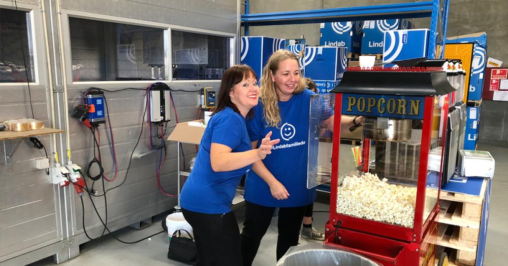 Der serveres popcorn og slush ice til Lindab Familiedag 2018