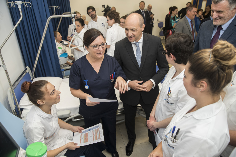 Hon. Chris Fearne, Minister for Health, Malta meets the nursing students.