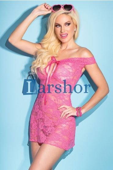 Roze kanten jurken en lingerie.