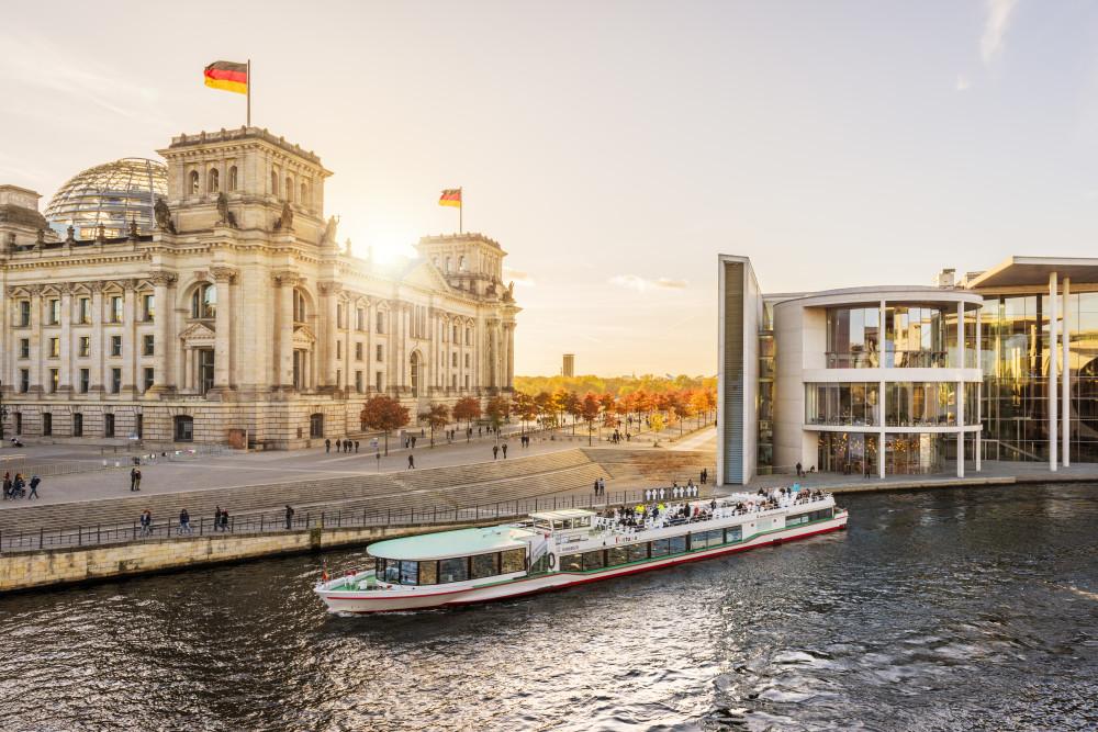 Berlin, Regierungsviertel, Spree © visitBerlin / Dagmar Schwelle
