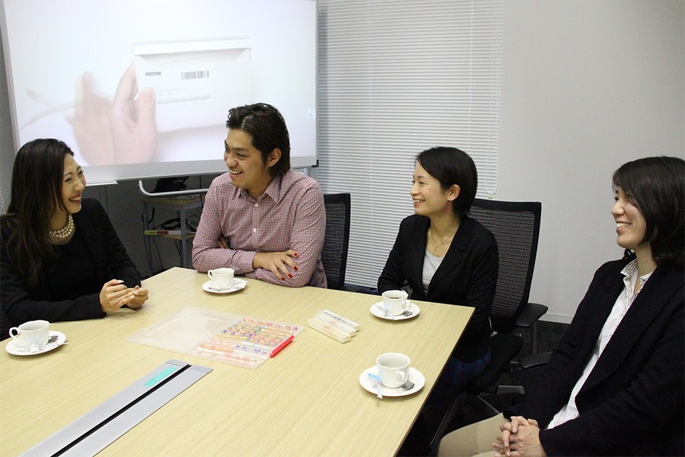 """Open nail"" project members from left to right: Kyoko Nakamura (Sales Rep. of Toshiba Digital Solutions Corp.), Shun Nakazaki (CEO of michi co., Ltd.), Yasuko Chigira (Toshiba Corp. Technology Planning Office), and Keiko Teraoka (Toshiba Design Center)"