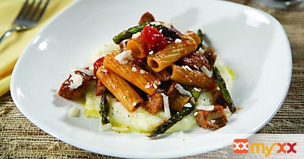 Rigatoni with Barbeque Ribs & Grilled Asparagus