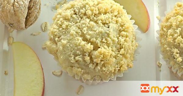 Apple Fig & Oatmeal Muffins