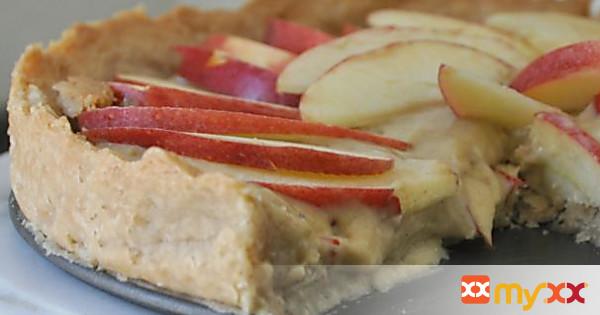 Apple Tart + Spiced Pastry Cream + Cinnamon Shortbread