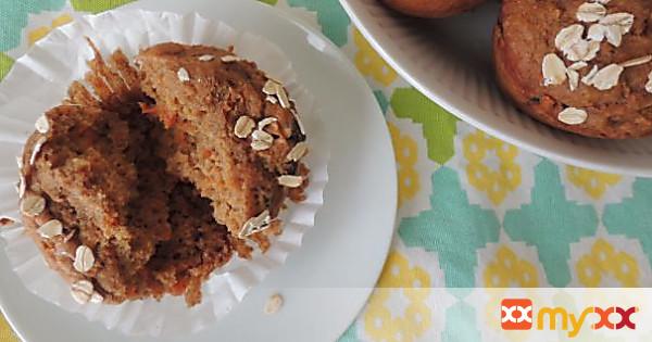 Applesauce Carrot Cake Muffins