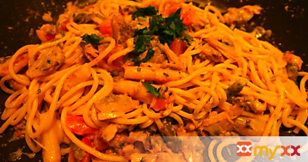 Asparagus Clam Spaghetti