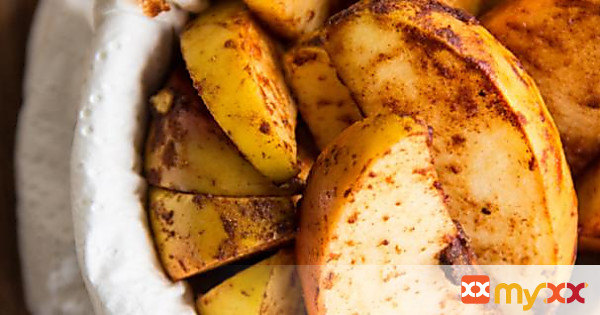 Baked Cinnamon Apple Wedges