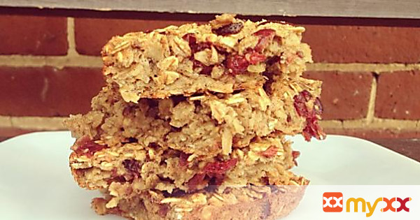 Baked Oatmeal with Dried Cranberries