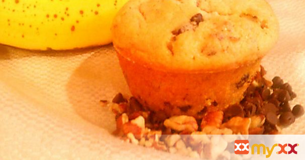 Banana Chocolate Chip Pecan Muffins