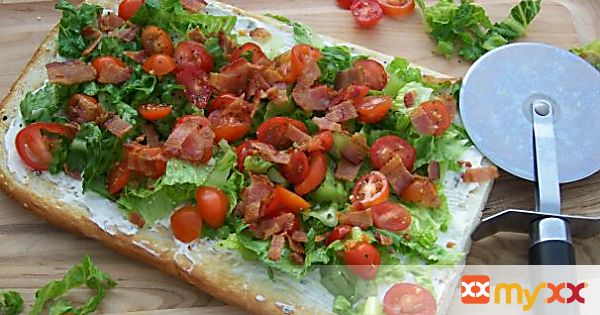BLT Pizza -Bacon Lettuce and Tomato Pizza