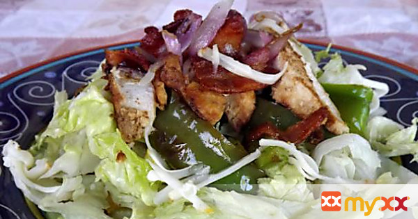 Chicken in a Salad with Grilled Peppers