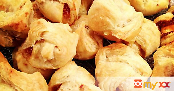 Brie Bundles with Homemade Fig Jam