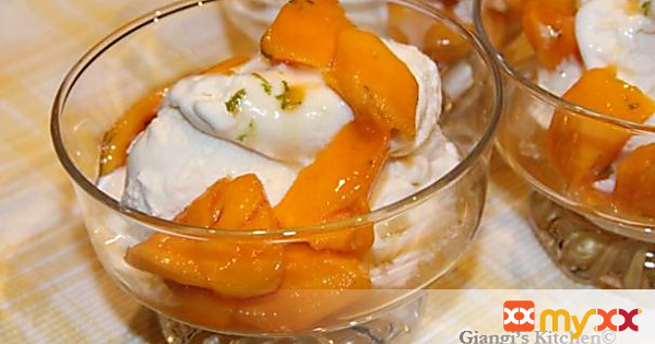 Mangoes with Rum and Ice Cream