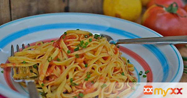 Pasta with Raw Tomato & Lemon Infused Olive Oil