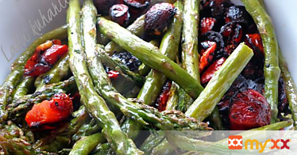 Oven roasted asparagus and cherry tomatoes