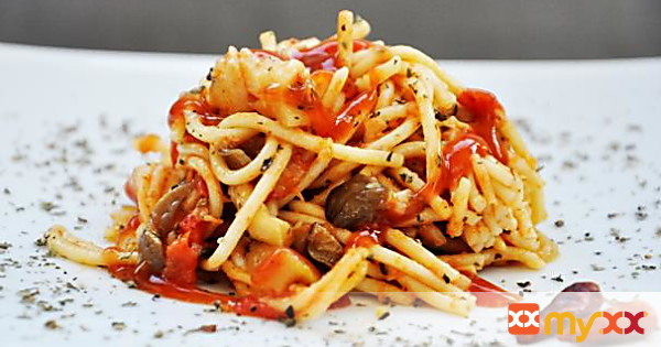 Oyster Mushroom Spaghetti with Tomato and Basil Sauce