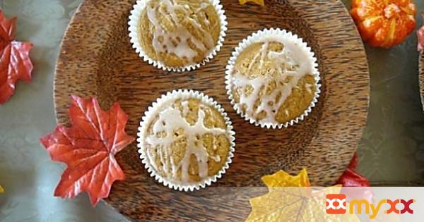 Never Fail Pumpkin Muffins with a Sweet Pumpkin Glaze