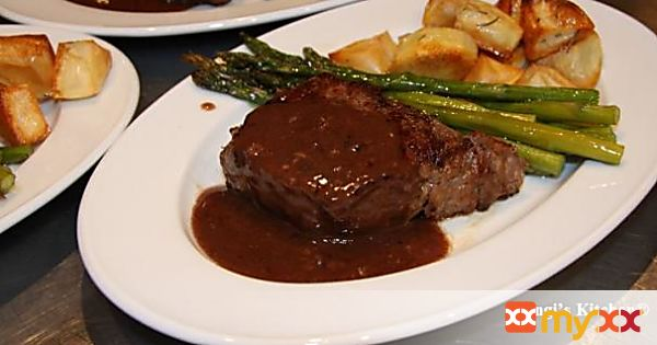 New York Strip Steaks with Wine Sauce