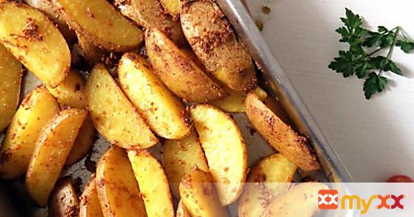 Potato Wedges & Sweet Chili Sauce