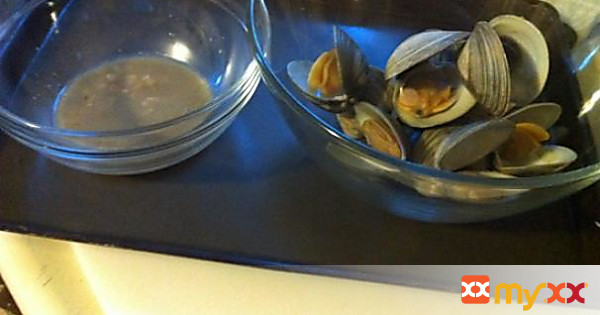 Quick and Easy Steamed Clams