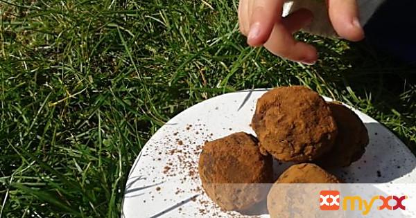 Raw chili chocolate truffles