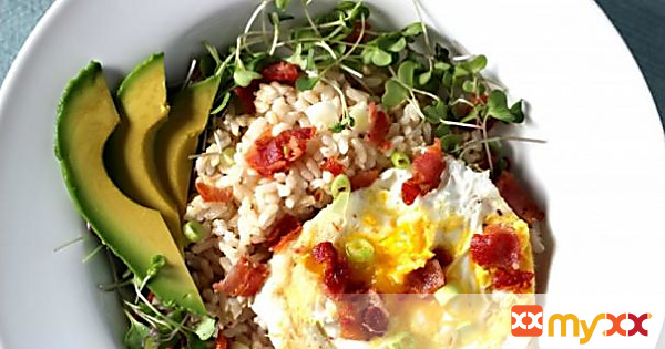 Rice Bowl with Fried Egg, Bacon & Avocado