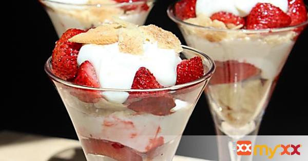 Roasted Strawberry Pie Parfait