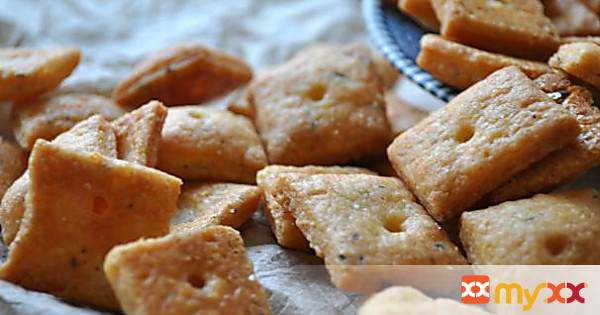 Thyme and Black Pepper Cheez-Its