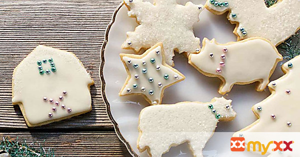 Frosted Holiday Shortbread Cookies