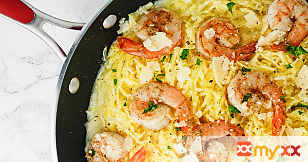 Garlic Shrimp Alfredo Spaghetti Squash