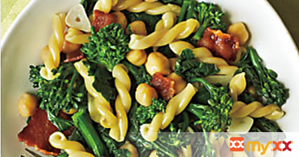 Pasta with Broccoli Rabe, Bacon, and Chickpeas