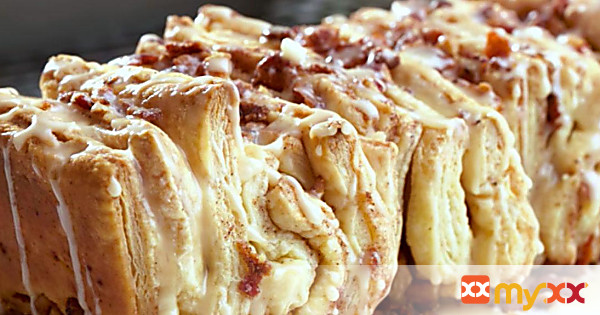 Pull Apart Loaf with Maple Bacon