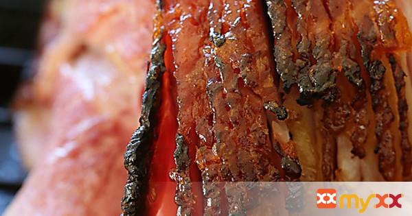 Apricot-Rum Glazed Spiral Ham