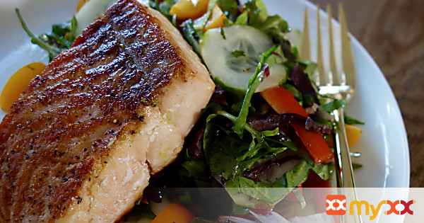 Pan Seared Salmon with Spring Mix Salad