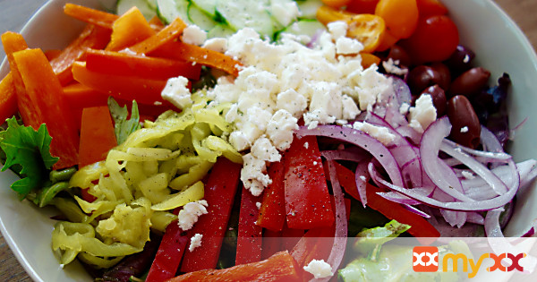 Greek Salad with Dressing