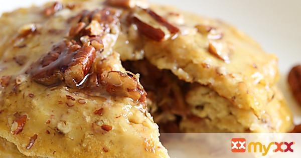 4-Ingredient Flourless Banana-Nut Pancakes