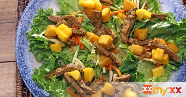 Mango and Beef Lettuce Cups