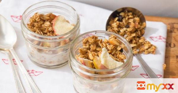 Apple-Currant Granola