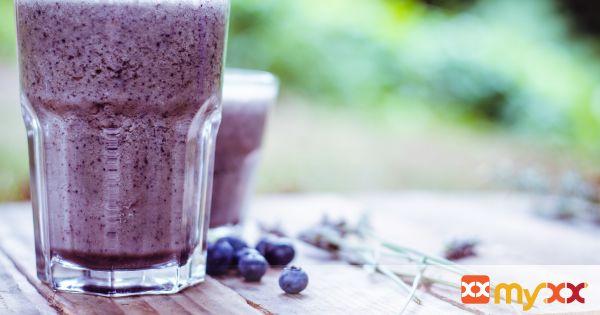 Blueberry Vanilla Oatmeal Smoothie