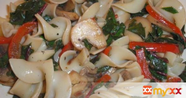 Buttered Noodles with Mushrooms, Chard, and Red Bell Pepper