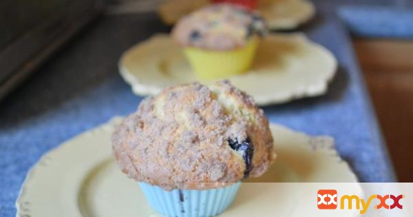 Buttermilk Streusel Blueberry Muffins