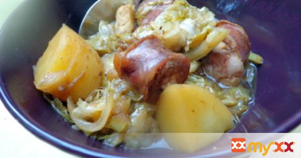 Cabbage and sausages in beer