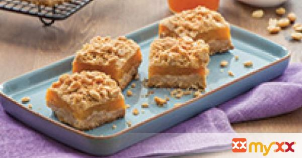 Peanut Butter and Apricot Oatmeal Crumble Bars